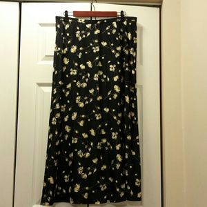 Dresses & Skirts - Beautiful A-line Skirt