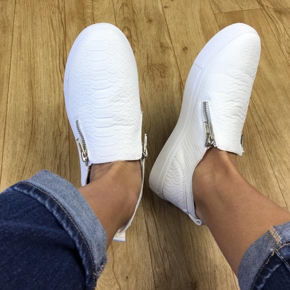 0df74f6de58 Steve Madden white slip on sneaker shoe