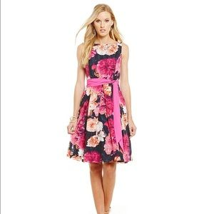 Eliza J Dresses & Skirts - Eliza J fit & flare floral dress Sz 6👗🎉👗