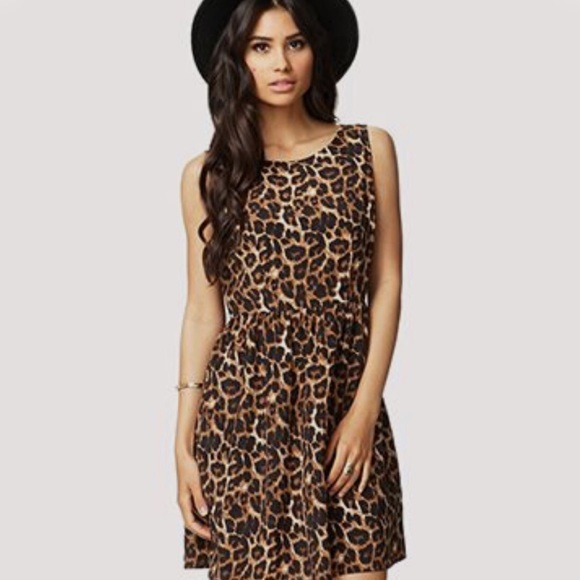 c3b7117d92ce5e Sleeveless Leopard Print Dress with Pockets