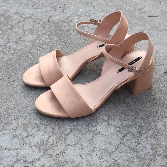 6e2056f5aebb ZARA Peach Block Heel Sandal. M 57d7502c6a5830eb05034be2