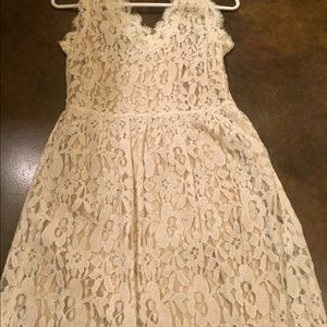 Marineblu Dresses - Cream lace dress with a touch of gold a6d38d1fb