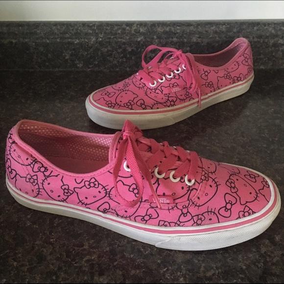 e9d7b8a942 VANS Hello Kitty Pink   Black Print. M 57d75c17522b454d14015dce