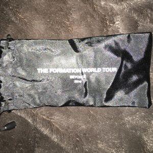 Beyoncé-Formation world Tour VIP sunglasses