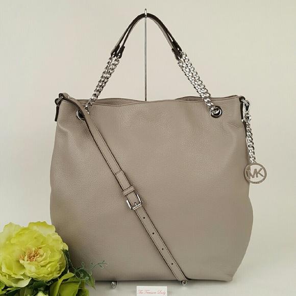 1822d599a251a Michael Kors Jet Set Chain Shoulder Tote purse bag