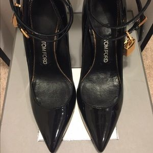 36b913e6318 Tom Ford Shoes - Tom Ford Classic Ankle Lock Pointed Pumps