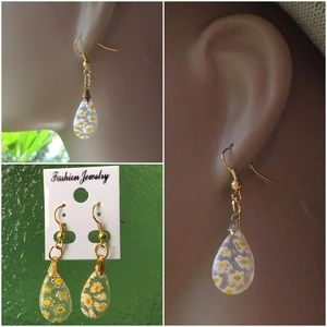 Jewelry - 4 FOR $25 🎁🎄🍾🥂Spring Glass Water Drop Earrings