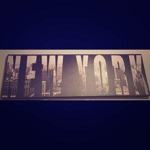 New York Wall-Post