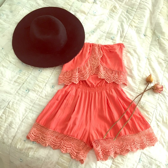 Sweetaeacia Other - 🥂HOST PICK 🥂Coral Strapless HOT Romper