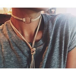 Jewelry - ✖️SALE✖️Suede ring choker