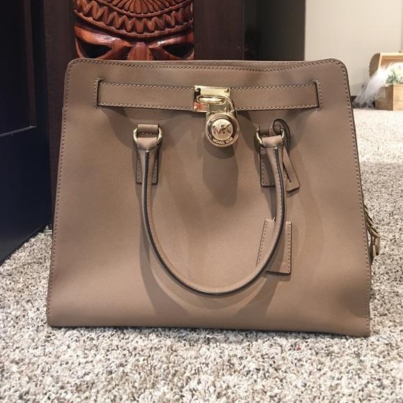 9b506825ed96 Michael Kors Hamilton Saffiano Leather Large Satch.  M 57d824b59c6fcf76b4004ad4