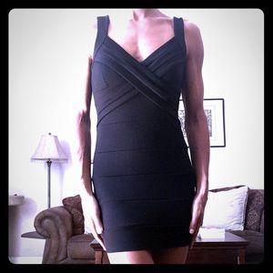 Zinga Dresses & Skirts - Black Mini Stretch Bodycon Dress