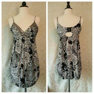 Rampage Dresses & Skirts - Rampage Black And White Spaghetti Strap Dress