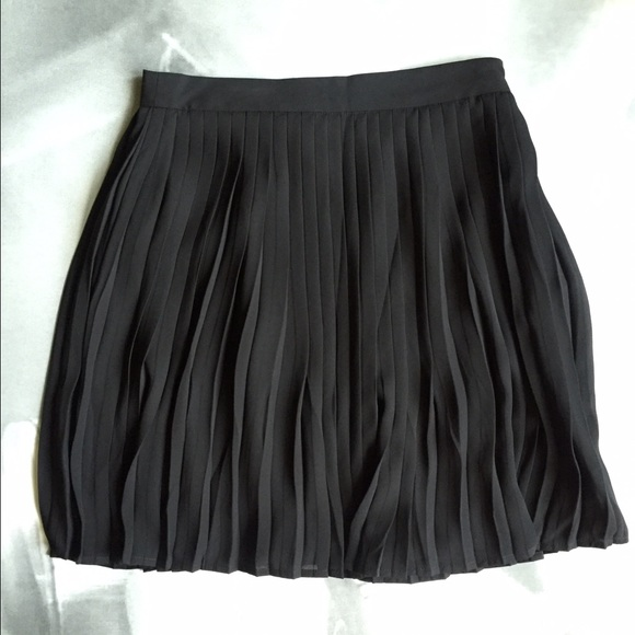 Forever 21 Skirts - Forever 21 black pleated skirt; size S