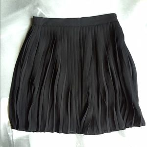 Forever 21 black pleated skirt; size S