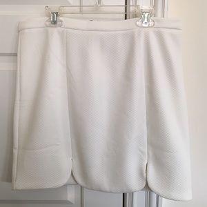 Forever 21 white skirt with scalloped hem