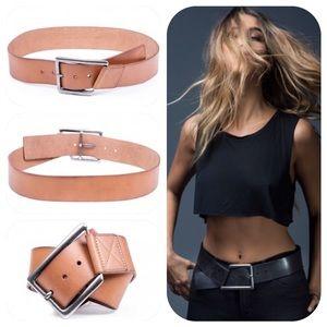 Linea Pelle Accessories - 🍃💕Linea Pelle Angled Hip Belt