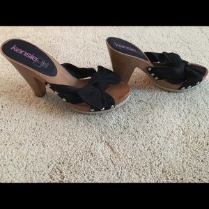 Cute black knot heels