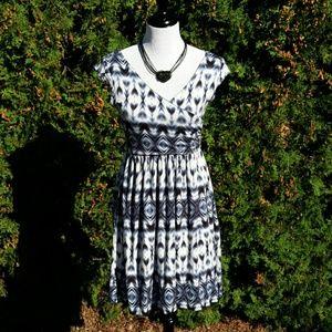 ModCloth Dresses & Skirts - Geometric Print Dress