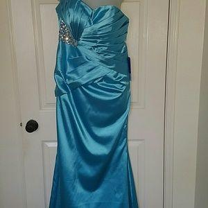 Dresses & Skirts - Military Ball / Formal dress NEW!!