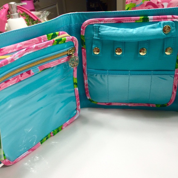 Lilly Pulitzer Bags - SOLD Hotty Pink First Impressions Jewelry Case