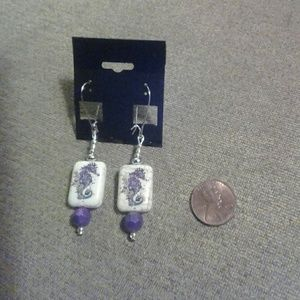 V Styled  Jewelry - Ocean Seahorses Earrings violet silver cream