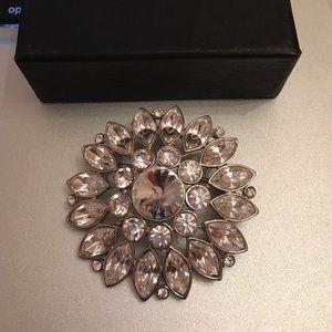 Jewelry - Silver crystal brooch