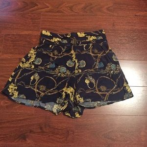 Cotton on pattern high waisted shorts