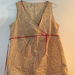 Maternity flower sleeveless blouse size medium