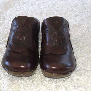 Born Shoes - Born Tooled Leather Slides 💥20% OFF BUNDLE💥