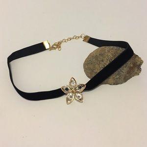 T&J Designs Jewelry - 🆕 Black Velvet Gold Crystal Flower Choker