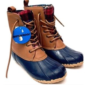 Tundra Shoes - Tundra Navy/Tan Leather Waterproof Duck Boots- New