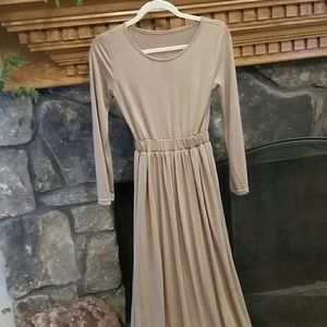 Maxi dress.  No tag.