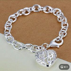 Heart bracelet NWOT
