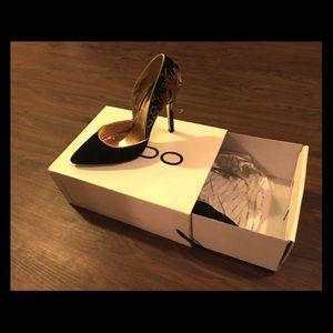 Aldo black/gold heel