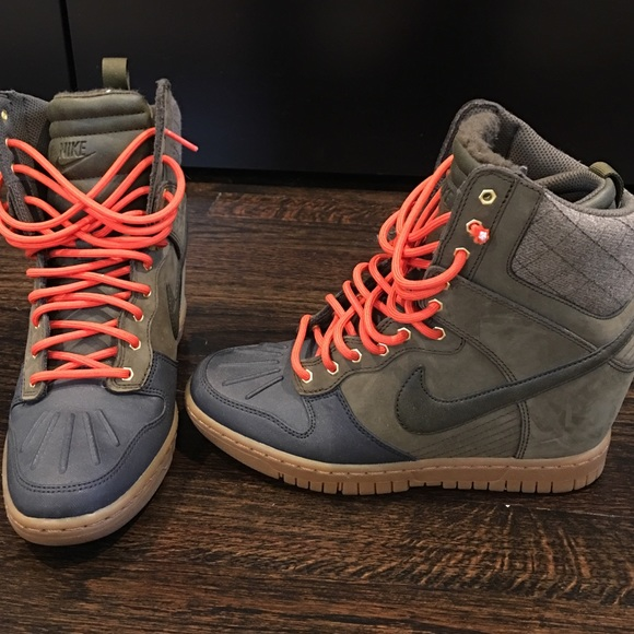 Nike wedge winter sneakers