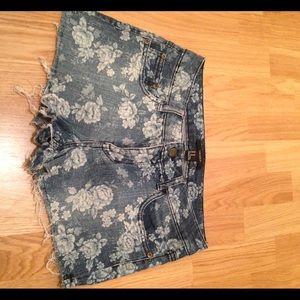 Forever 21 Shorts - Forever 21 floral print denim shorts