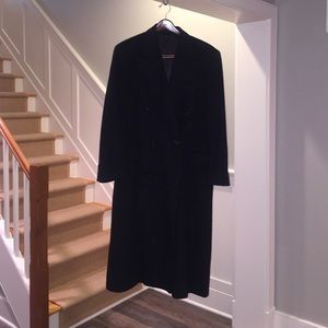 Men's Medium 100% cashmere black dress coat. UEC