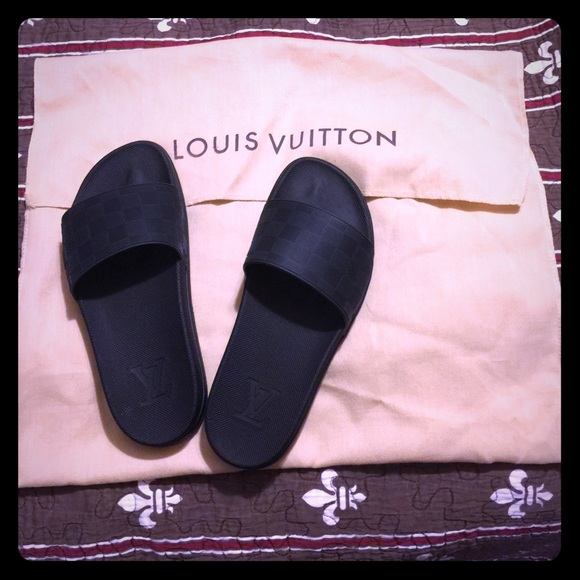 cdeaeb307  SOLD  Louis Vuitton Mens Damier Waterfront Mule
