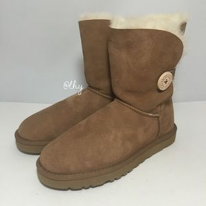 UGG WOMEN'S BAILEY BUTTON BOOTS – SZ 7