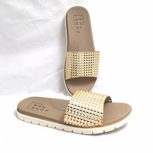 ShuShop Shoes - ShuShop Gold Flip Flop Sandals