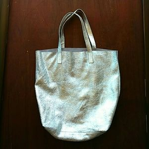 Urban Outfitters Bags - Silence + Noise Silver Metallic Leather Tote Bag 1982cfb990917
