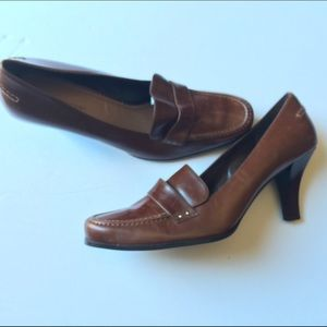 Naturalizer Shoes - Leather Loafer Pump