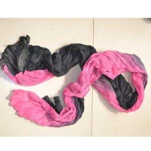 Pink & black ombré scarf!