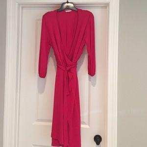 Ingrid & Isabel Dresses & Skirts - Ingrid & Isabel fuschia maternity wrap dress