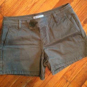 SaleArmy green chino shorts, 4, Old Navy