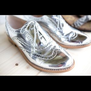 Sam Edelman silver Oxfords