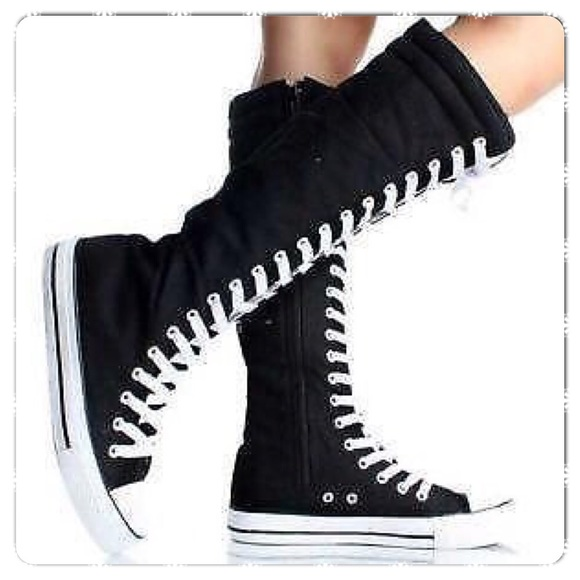 Hot Topic Shoes - Hot Topic Black Hi-Top Sneakers with Lace & Zipper