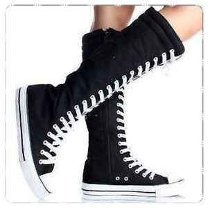 Hot Topic Black Hi-Top Sneakers with Lace & Zipper