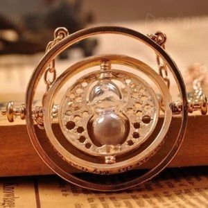Jewelry - Harry Potter time turner spinning necklace